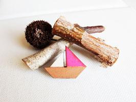 """Schiffs-Brosche aus Holz """"Little Pink Boat"""""""