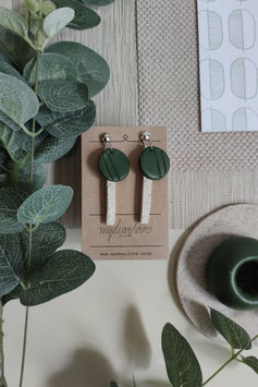 Ohrringe Kreis dunkelgrün, Stab Steinimitat natur, Ohrstecker silberfarben