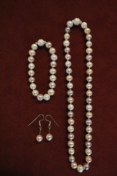Halskette, Armband, Ohrringe PERLEN