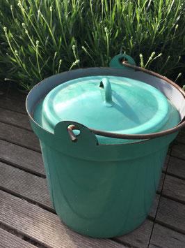 Vintage, seau avec couvercle émaillé vert d'eau