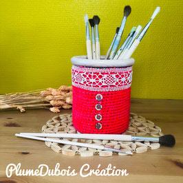 Upcycling PlumeDubois. Pot à crayon rouge