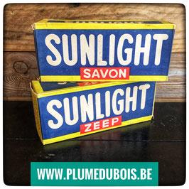 Vintage. Une boite de 2 blocs de savon Sunlight
