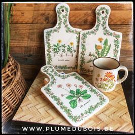 Lot planches à tartine et mug motif illustration herbier botanique