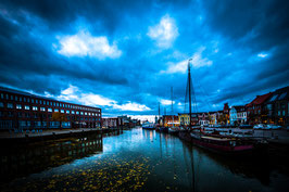 Husumer Hafen - blue dark sky