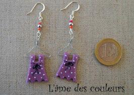 Boucle d'oreilles, mes petites robes à pois sur cintre couleur violette