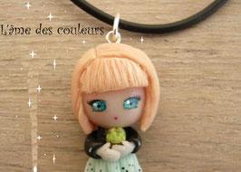 Poupée miniature Mia  collier et son cactus