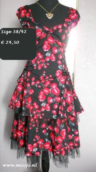 Swingdress 'Red Rose'.