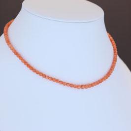 Halskette aus 333-Gelbgold und Astkoralle