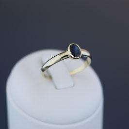 Ring aus 375-Gelbgold und Safir