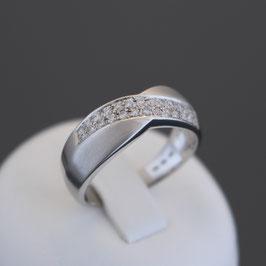 Ring aus 375-Weißgold und Zirkonia