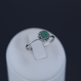 Ring aus rhodiniertem 925-Sterlingsilber, Smaragd und Zirkonia