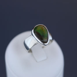 Ring aus 925-Sterlingsilber und Ammonitopal