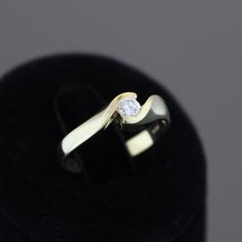 Ring aus 585-Gelbgold und Diamant (0,2 ct.)