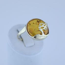 """Ring """"Windflüchter"""" aus 333-Gelbgold und baltischem Naturbernstein"""