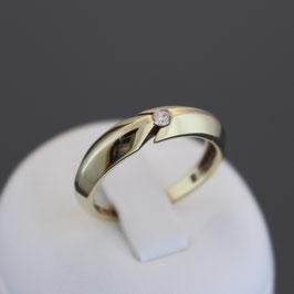 Ring aus 585-Gelbgold und Zirkonia