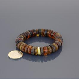 Armband mit Gummizug aus baltischen Bernsteinen