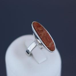 Ring aus 925-Sterlingsilber und behandelter Schaumkoralle