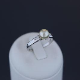 Ring aus rhodiniertem 925-Sterlingsilber, Süßwasserzuchtperle und Zirkonia