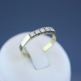 Ring aus 585-Gelb- und -Weißgold und Diamant (0,2 ct.)