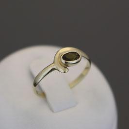 Ring aus 333-Gelbgold und Turmalin