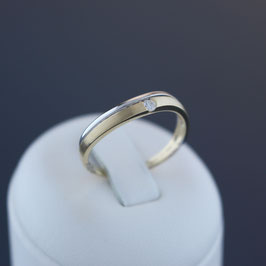 Ring aus 585-Gelb- und -Weißgold und Brillant