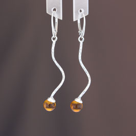 Ohrhänger aus 925-Sterlingsilber und baltischem Bernstein