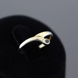 Ring aus 333-Gelbgold und Safir