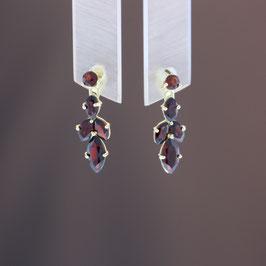 Ohrhänger aus 333-Gelbgold und Granat