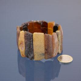 Armband mit Gummizügen aus baltischen Naturbernsteinen