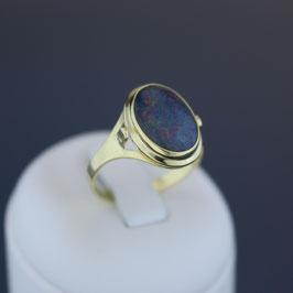 Ring aus 333-Gelbgold und Opaltriplette (Bergkristall, Opal, Onyx)