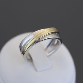 Ring aus 585-Gelb- und -Weißgold