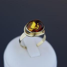 Ring aus 585-Gelbgold und baltischem Naturbernstein