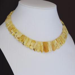 Halskette aus gelbvergoldetem 925-Sterlingsilber und baltischen Naturbernsteinen