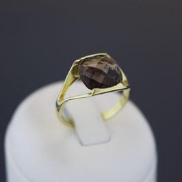 Ring aus 333-Gelbgold und Rauchquarz