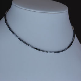 Collier aus 925-Sterlingsilber und Hämatin