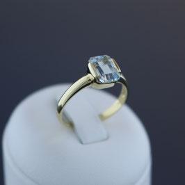Ring aus 585-Gelbgold und Aquamarin