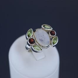 Ring aus 925-Sterlingsilber, Mondstein, Peridot und Granat