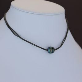 Collier aus rhodiniertem 925-Sterlingsilber und Tahitiperle auf Lederbändern