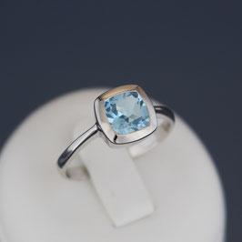 Ring aus rhodiniertem 925-Sterlingsilber und Blautopas