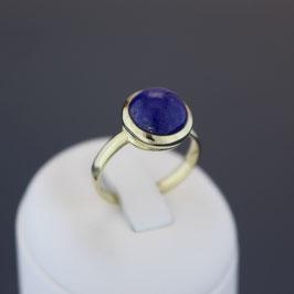 Ring aus 333-Gelbgold und Lapislazuli