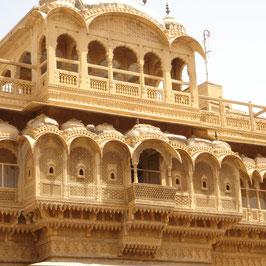 13 nights 14 days tour Rajasthan by car -  New delhi (3) - mandawa (1) - bikaner (1) - Jaisalmer (2) - jodphur (1) - udaipur (2) - pushkar (1) - jaipur (2) - agra (1)