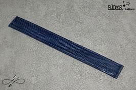 Bracelet lanière cuir de karung bleu verni