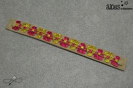 Bracelet lanière tissu kaki rehaussé d'un galon fleuri bordeau & vert