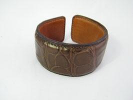Bracelet Manchette en crocodile chocolat