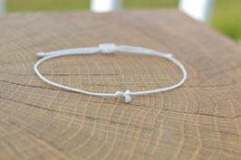 weißes Armband mit Diamant Anhänger Brautschmuck