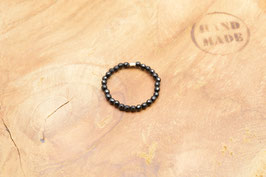 Ring aus facettierten Onyx Perlen