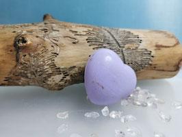 Schutzsteine Bergkristall mit Lavendel-Herzseife