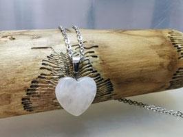 Rosenquarz Herzanhänger mit Silberkette