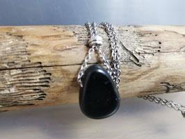 Schwarzer Turmalin Halskette mit Antiksilber Perle