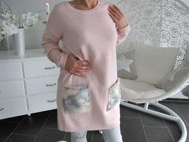 Langer Pullover mit Taschen aus Kunstpelz